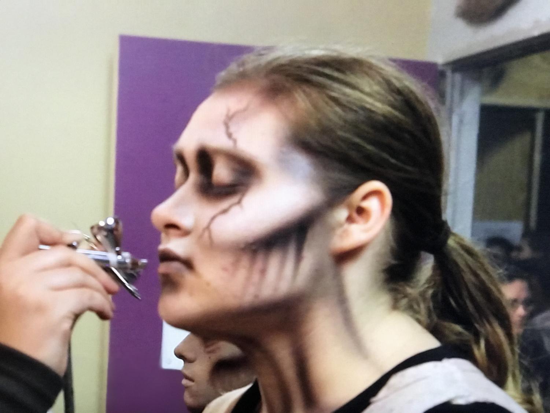 Senior Isabel Christie gets her makeup applied