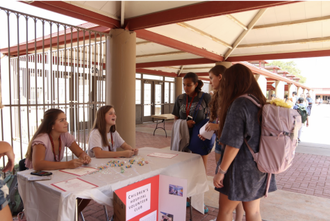 The new children volunteer club at club fair started by sophomore Kate Oelkers.