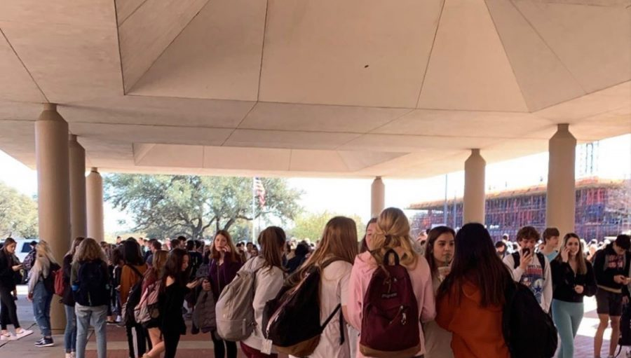 Thursday morning, students were warned to evacuate the A-hall before school started. There had been a mechanical issue in the A hall which caused the need for students to evacuate the building. Picture courtesy of student, Michael Lahti