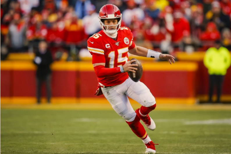 Chiefs+QB+Patrick+Mahomes+looks+to+repeat+his+MVP+season+from+last+year+%28Credit%3A+David+Eulitt%2FGetty+Images%29%0A